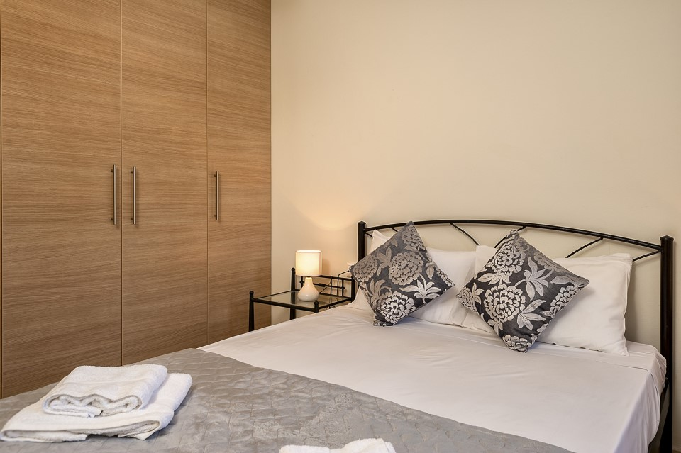 Apartmentsin-Sternes-Akrotiri-Chania-Crete-for-sale-bedroom-detail-A4-d1b04427