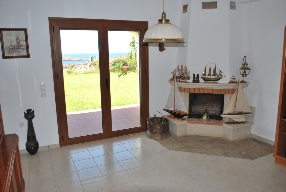 Large-villa-for-sale-in-Akrotiri-Chania-Crete-firepalce-9cfde923
