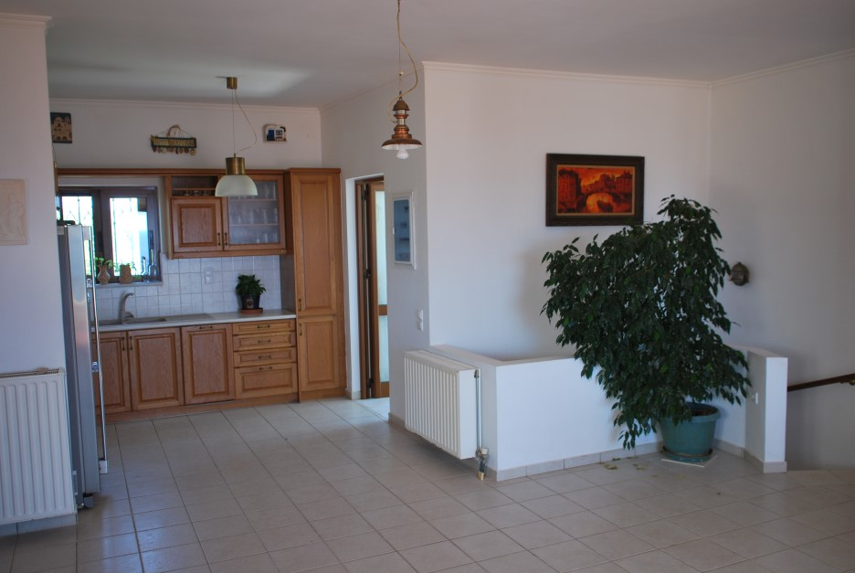 Large-villa-offered-for-sale-in-Akrotiri-Chania-Crete-kitchen-1fe287ff