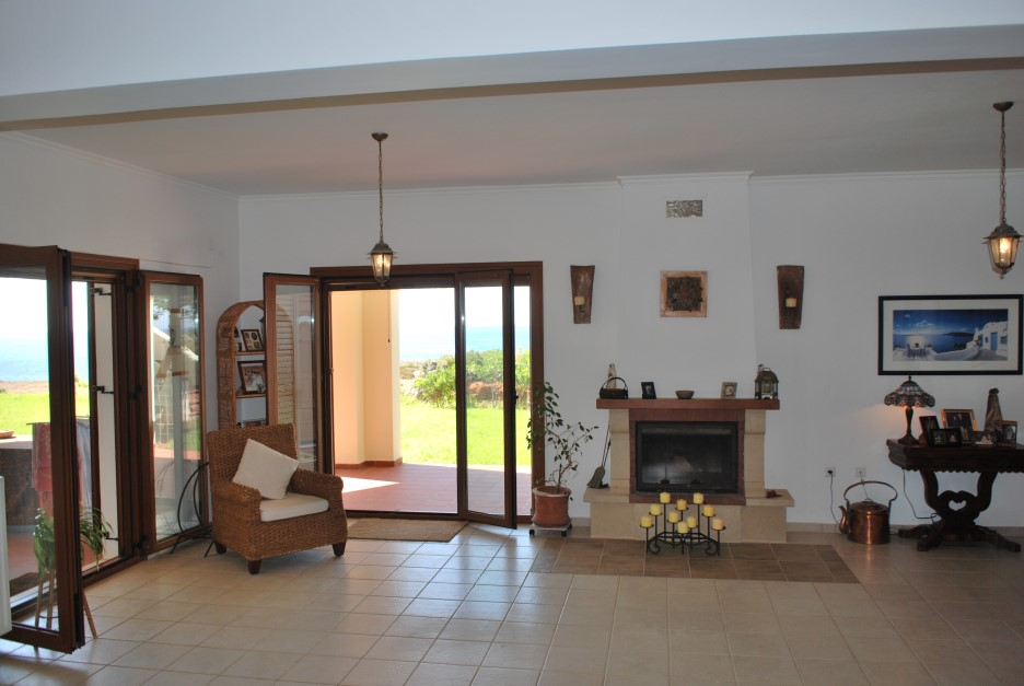 Luxury-property-for-sale-in-Akrotiri-Chania-Crete-with-2-living-areas-d6d32312