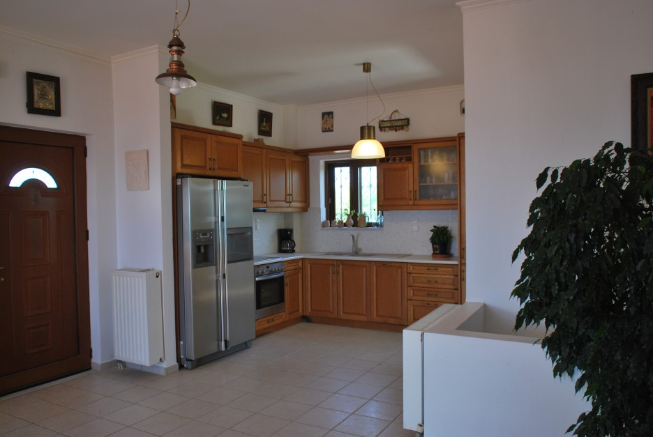Luxury-property-for-sale-in-Stavros-Akrotiri-Chania-Crete-2nd-kitchen-98b3e300