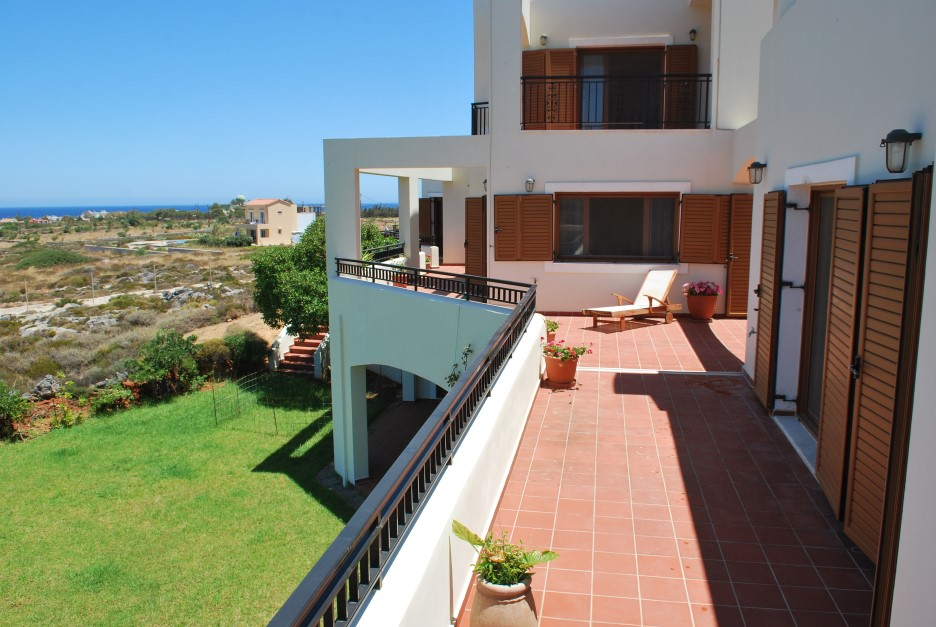 Luxury-property-in-Akrotiri-Chania-Crete-for-sale-with-large-verandas-a683bb8c