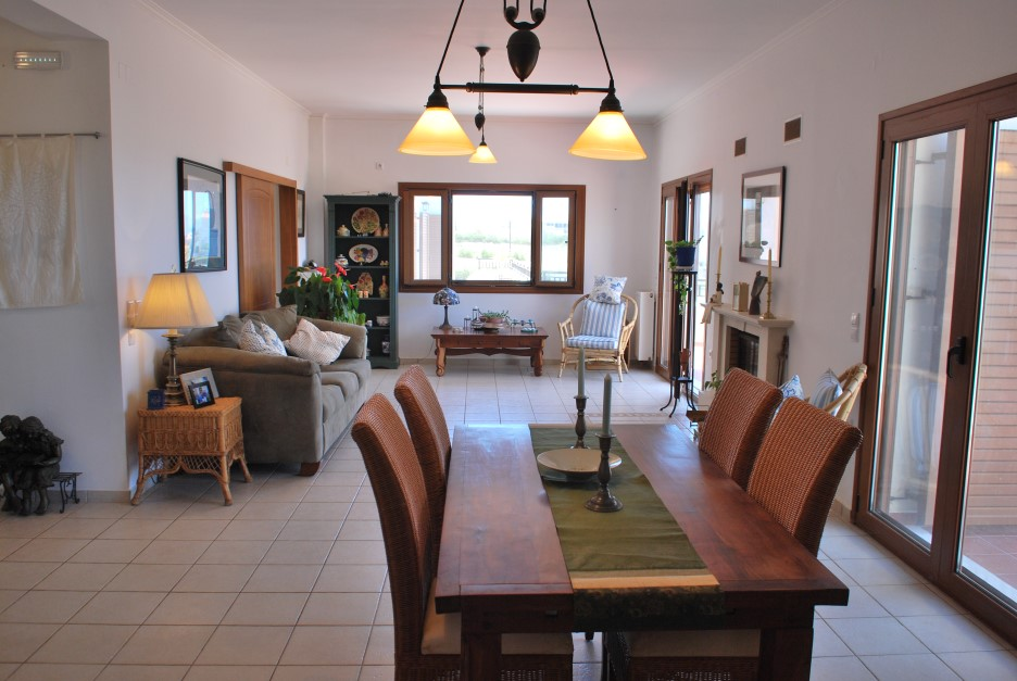 Luxury-villa-for-sale-in-Chania-Crete-dining-area-92139a32