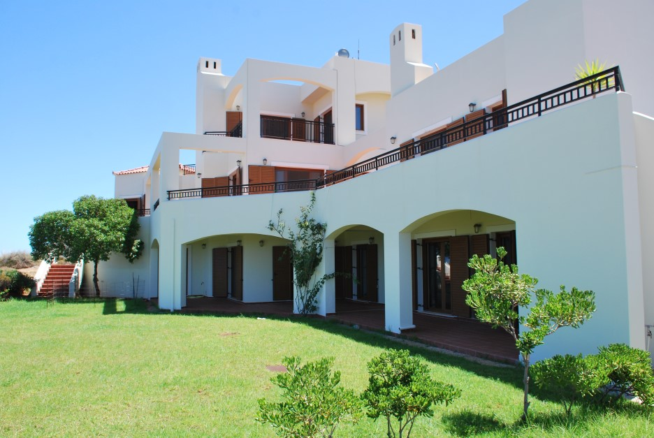 Luxury-villa-for-sale-in-Stavros-Akrotiri-Chania-Crete-garden-0b0ebbdd