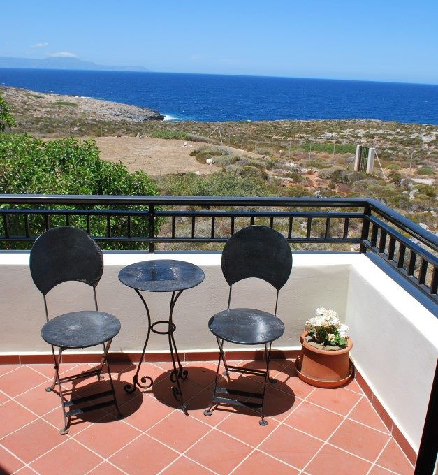 Luxury-villa-for-sale-in-Stavros-Akrotiri-Chania-Crete-veranda-detail-4782edd3