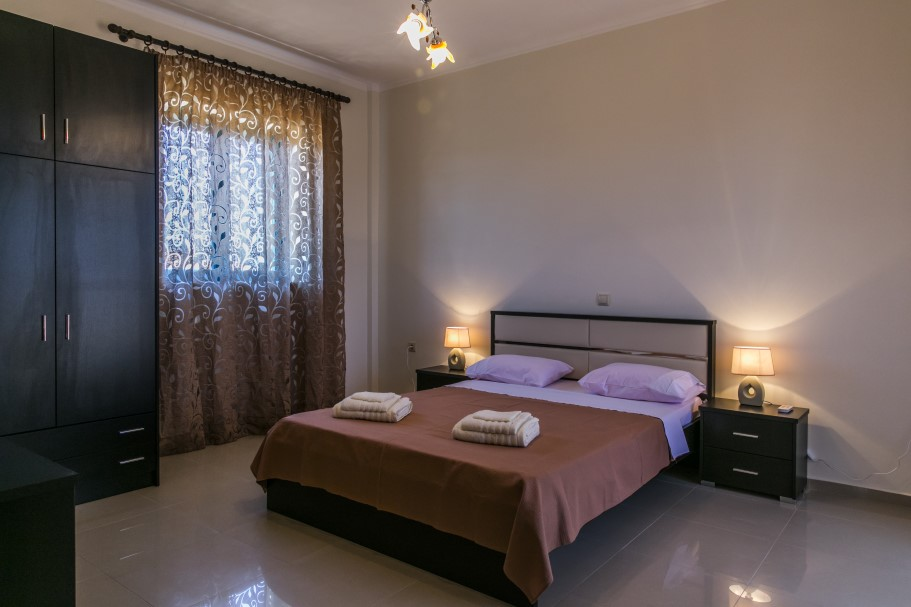 Stone-house-for-sale-in-Chania-Crete-master-bedroom-c7543ee7