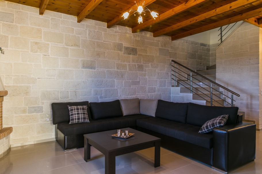 Stone-house-for-sale-in-Chania-Crete-sitting-room-507263a0
